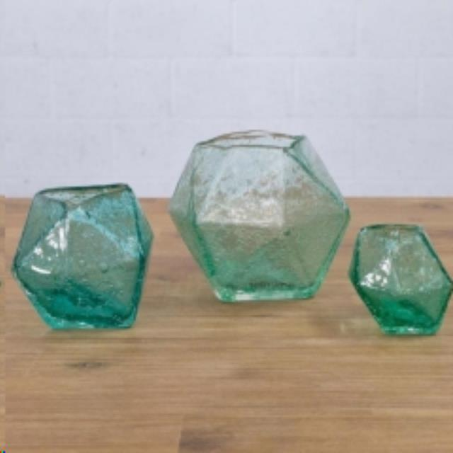 Where to find GEO GLASS VASES in Camarillo