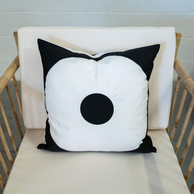Where to find PILLOW, SQ BLACK WHITE CIRCLE REVERSABLE in Camarillo